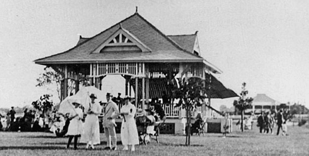 The bandstand in 1916. Image credit - New  Farm Park.com.au
