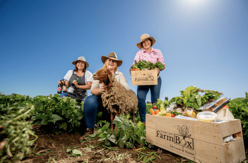 Scenic Rim farmers and farm box