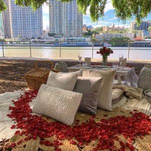 Lady Brisbane Date picnic